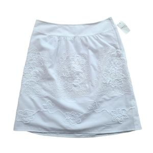 RW&CO White Lined Embroidered A-Line Skirt Medium